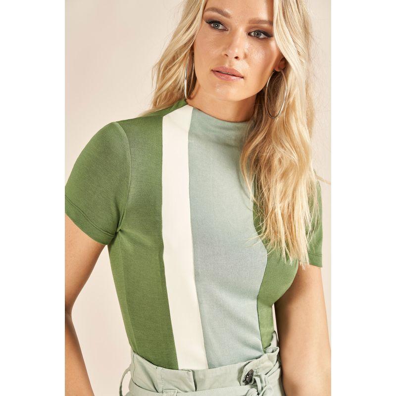 T-Shirt Faixa Couro Fake Detalhe Gola 89205199-2