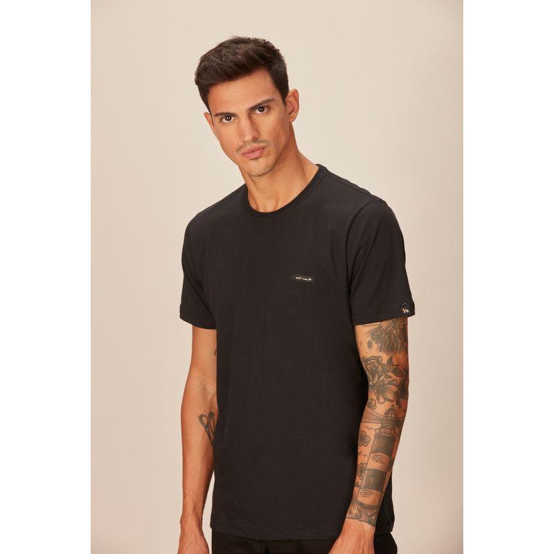 Camiseta-Masculina-Casual-Detalhe-Etiqueta-Acostamento-Preto
